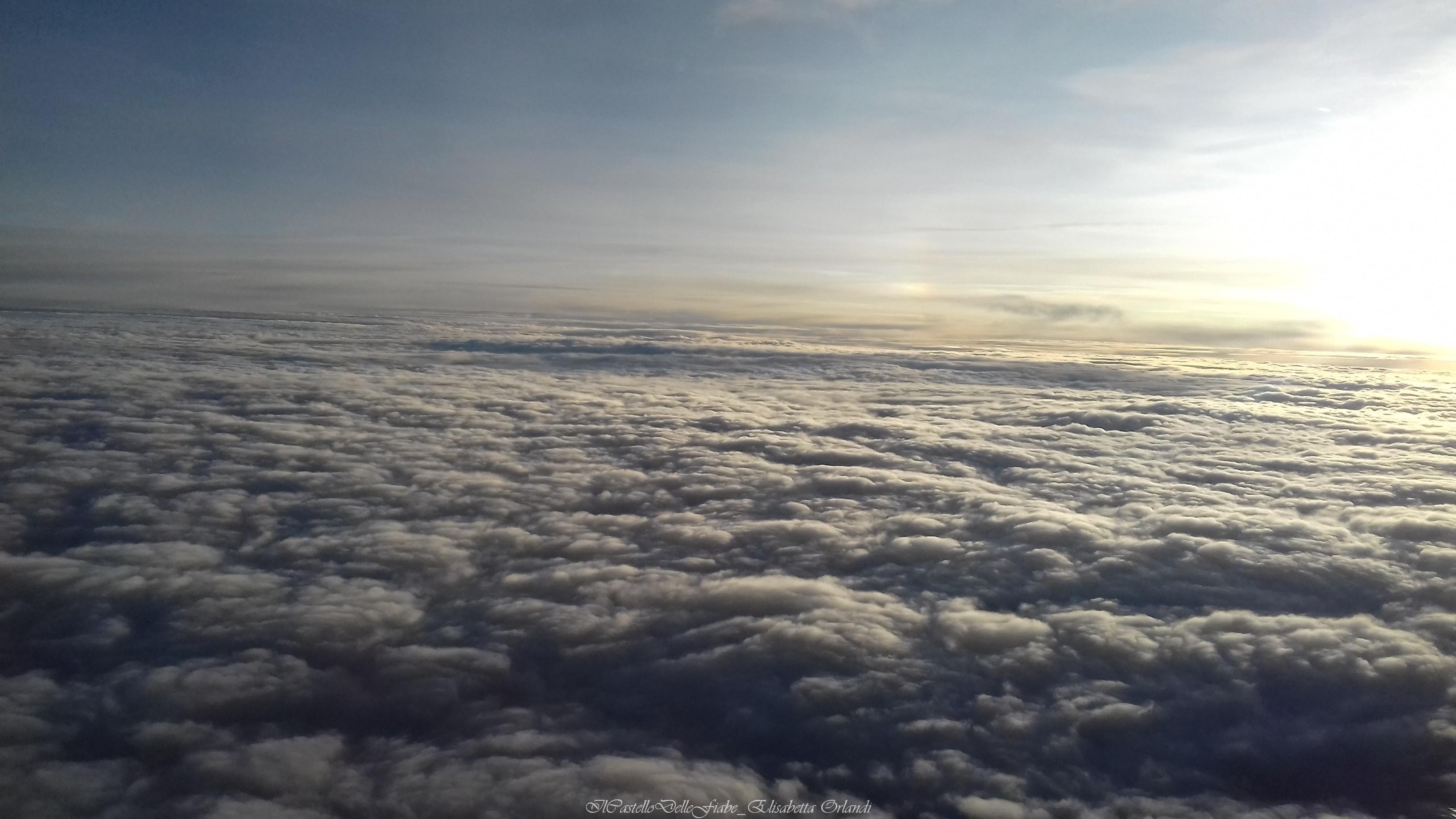 Au dessus des nuages.jpg